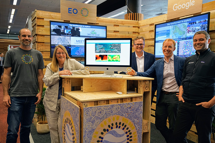 EO and Google conference booth
